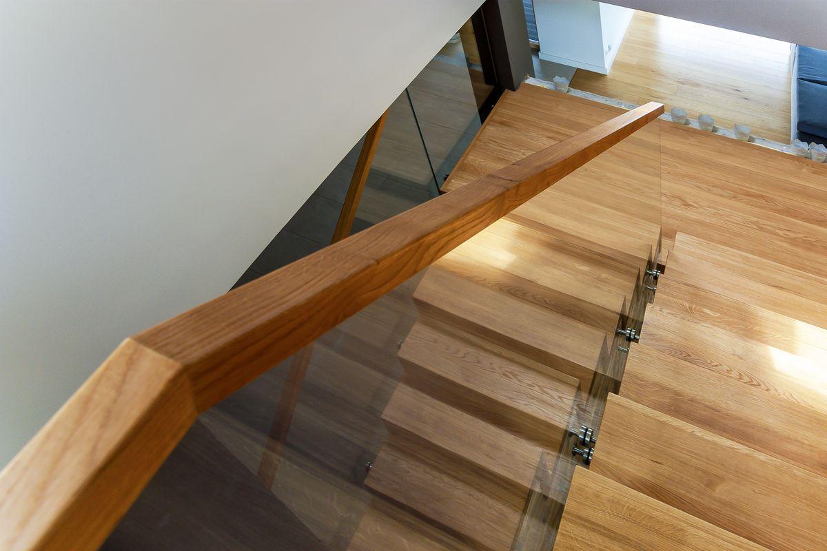 schody wewnętrzne z drewna